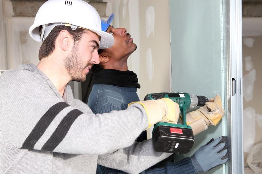 תיקון תקלות בבניין על-ידי חברת ניהול ואחזקה מקצועית
