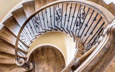סליחה, מי כאן אחראי לניקיון חדרי מדרגות?